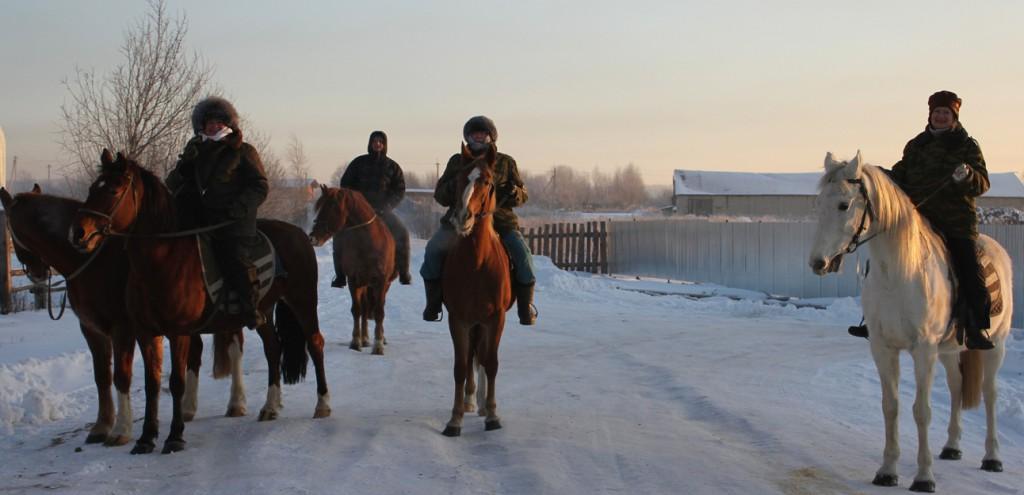 с.Михайловское Галичского района.Катание на лошадях
